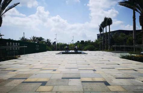 海棠湾+国广+别墅+泳池一套1100万 随时看房。